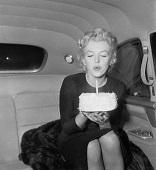 marilyn-monroe-birthday-cake2
