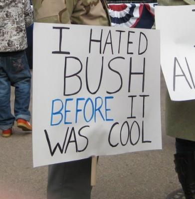 012609-bush-protest-391x400