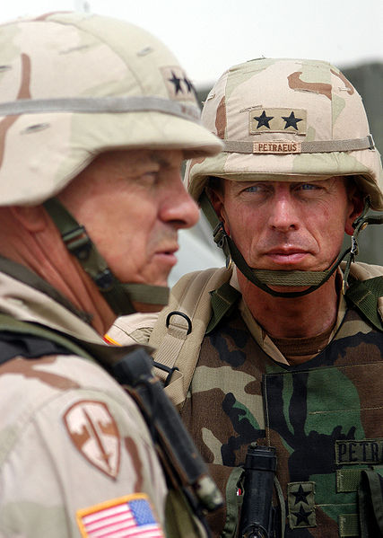 427px-petraeus_and_lieutenant_general_william_s_wallace